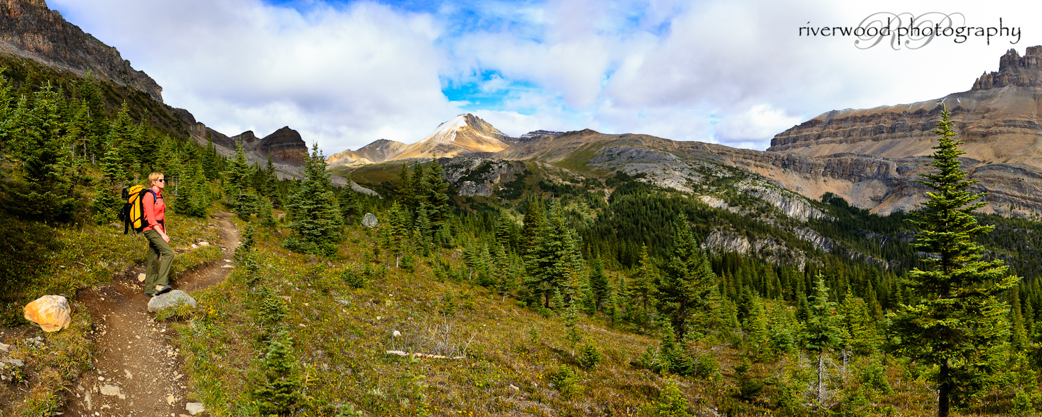 Panoramic image of the Hike to Lake Helen and Cirque Peak