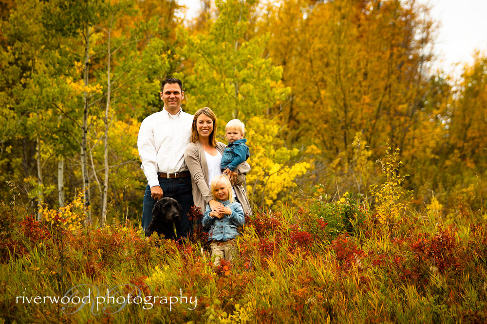 Fall Lifestyle Portrait Session with the Janzen Family